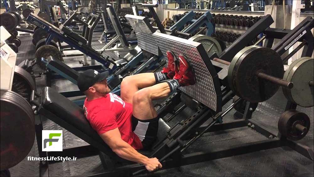 آموزش حرکت پرس پا با دستگاه leg press machine